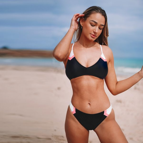 CUPSHE Navy Sport Lace-Up Bikini Sets Women Sexy Colorblock Two Pieces Swimsuits 2021 Girl Beach Bathing Suits Swimwear 11
